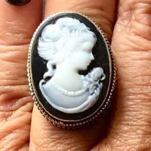 Enchanting Cameo Ring Young Girl Lady